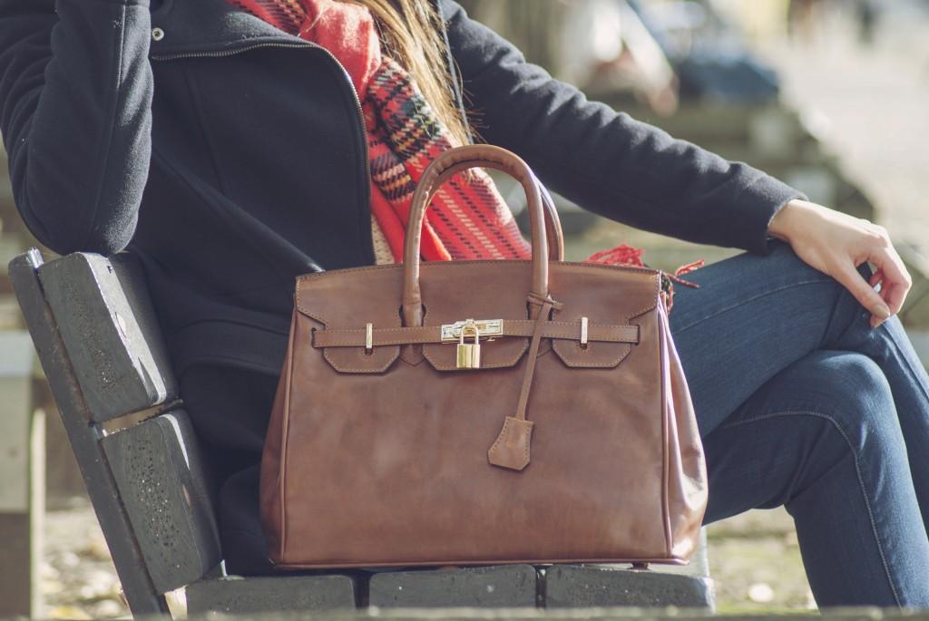 Women-Barella-Handbag
